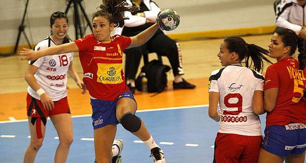 La 'guerrera' Carmen Martín en el partido entre España y Túnez. Fuente: RFEBM