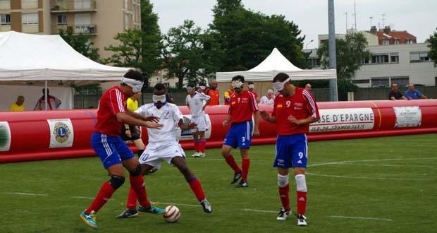 Adolfo Acosta, Javi Muñoz y Youssef El Haddaoui, jugadores de 'La Roja'. Fuente: T. Aubert