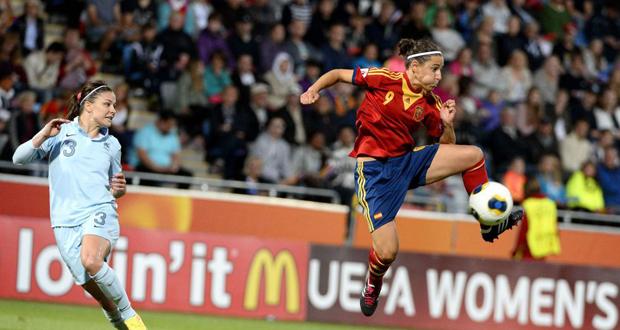 La capitana de la selección española, Vero Boquete durante un encuentro. Fuente: Sefútbo