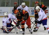 España arrolla a Serbia en el Mundial de hockey hielo