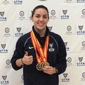 Beatriz Corrales con algunas medallas.