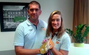 Fred y Mireia con varias medallas. Fuente: RFEN