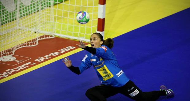 La portera valenciana, Silvia Navarro, fue crucial en el duelo ante Montenegro con 19 paradas. Fuente: EHF Euro