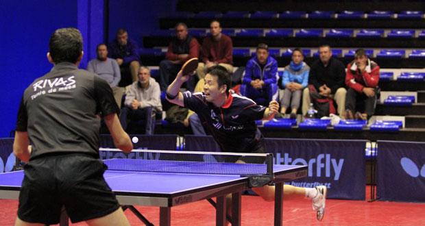 Wei Dong Shi, jugador del CajaSur Priego en el partido que disputó su equipo frente al CD Tenis de Mesa Rivas. Fuente: Antonio García / Rfetm