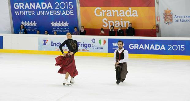 La pareja de danza sobre hielo, Sara Hurtado-Adriá Díaz en la pista de la Universiada de Granada. Fuente: Fedhielo