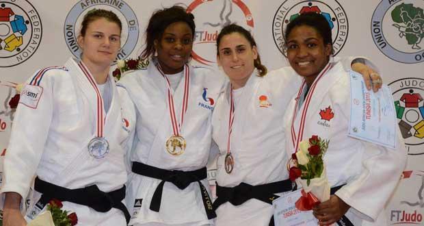 Marta Tort (2ª por la derecha). Fuente: AD