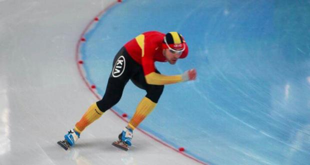 El patinador español de velocidad sobre hielo, Íñigo Vidondo, durante una prueba. Fuente: AD