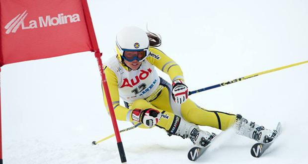 La esquiadora española, Julia Bargalló, durante una competición. Fuente: photoset