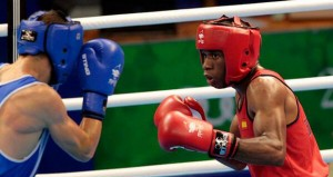 El boxeador español, Kelvin de la Nieve, durante un combate. Fuente: AD
