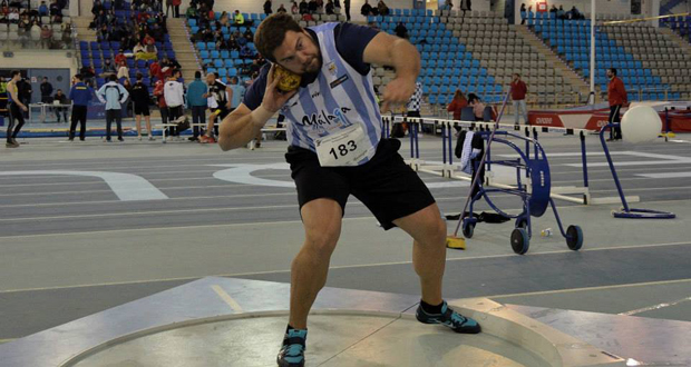 El lanzador de peso Borja Vivas, durante el campeonato de Andalucía. Fuente: Club Atletismo Málaga