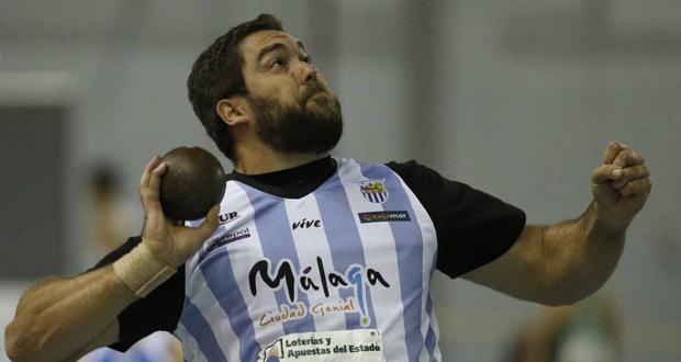 El lanzador de peso, Borja Vivas, durante el campeonato de España de pista cubierta. Fuente: Club Atletismo Málaga