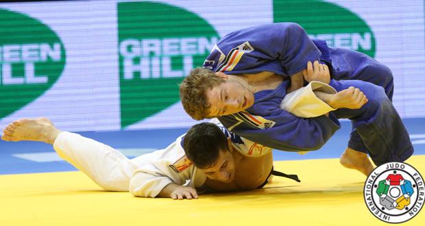 El judoka español, Fran Garrigós, de blanco, en el Grand Prix de Dusseldorf. Fuente: IJF Media Zahonyi