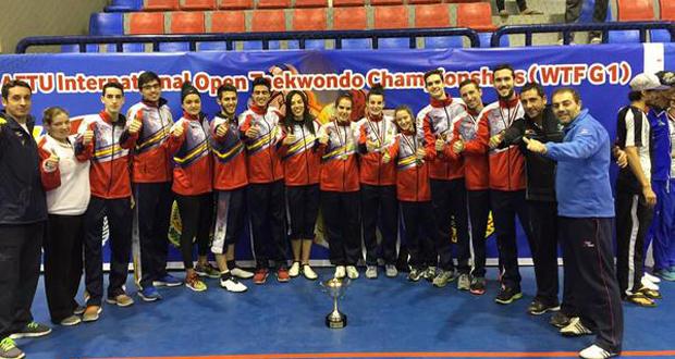 El equipo español de taekwondo que participó en el Open de Alejandría. Fuente: fetaekwondo