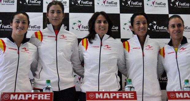 Lara Arruabarrena, Garbiñe Mugura, Conchita Martínez, Silvia Soler y Anabel Medina. Fuente: RFET