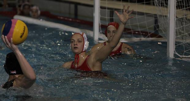 Las jugadoras de la selección española, Jenifer Pareja y Laura Ester, en un partido. Fuente: RFEN