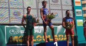 Vicente Hernández en el podio. Fuente: ITU Media