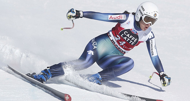 La esquiadora andaluz, Carolina Ruiz, durante una prueba de descenso. Fuente: FIS