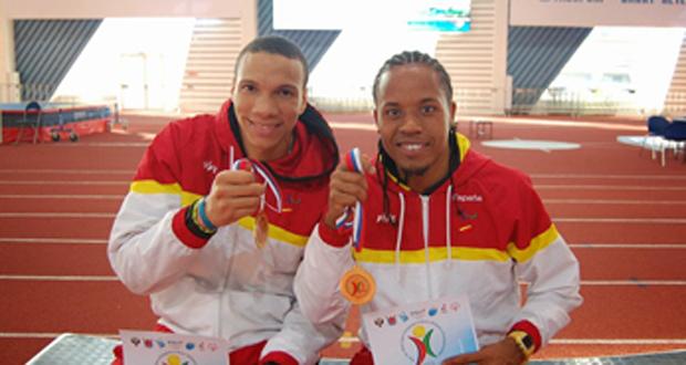 Fernando Batista, medalla de bronce y Dionibel Rodríguez, oro y récord europeo en los 400 metros lisos. Fuente: CPE