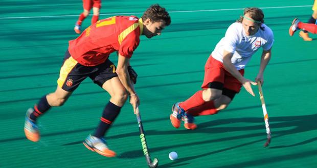 Imagen de un partido amistoso de la selección española de hockey hierba. Fuente: RFEH