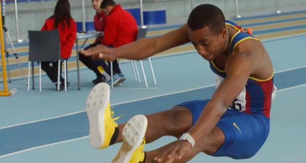 El saltador de longitud, Jean Marie Okutu.