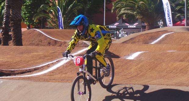 El biker junior Juan Vicente Giner, en una competición. Fuente: RFEC