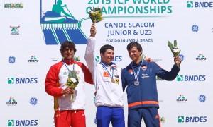 David Llorente en el podio. Fuente: Rfep