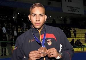 Pereira con el bronce Mundial. Fuente: esgrima.es