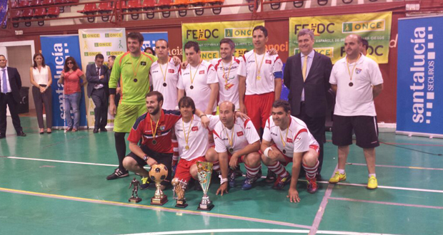 El equipo de Madrid ONCE, campeón de Liga y del campeonato de España. Fuente: AD