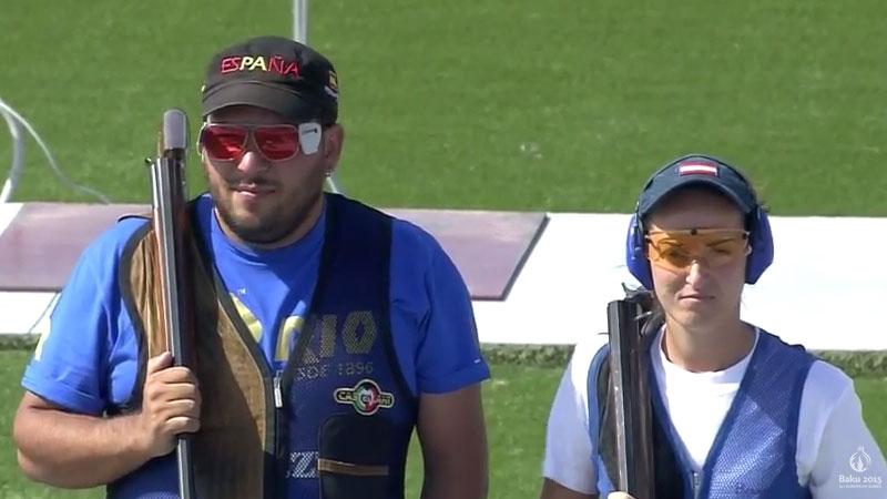 Fátima Gávez y Alberto Fernández durante la competición de foso olímpico en Baku. Fuente: AD