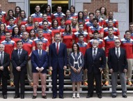 Felipe VI recibe a parte del equipo español que irá a Baku