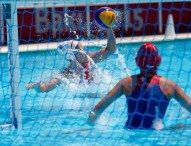 España vence a Italia por 10 a 8 en Baku