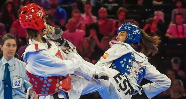 La taekwondista española Eva Calvo golpea en la cara a una rival. Fuente: AD