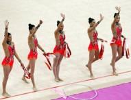Las chicas de la gimnasia rítmica rozan el podio en 5 cintas