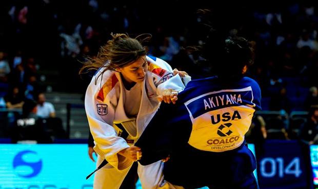 La judoka española, Isabel Puche, durante un combate.