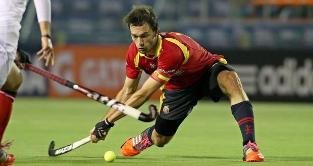 El capitán de los 'redsticks', Manel Terraza, en un partido de la World League. Fuente: RFEH