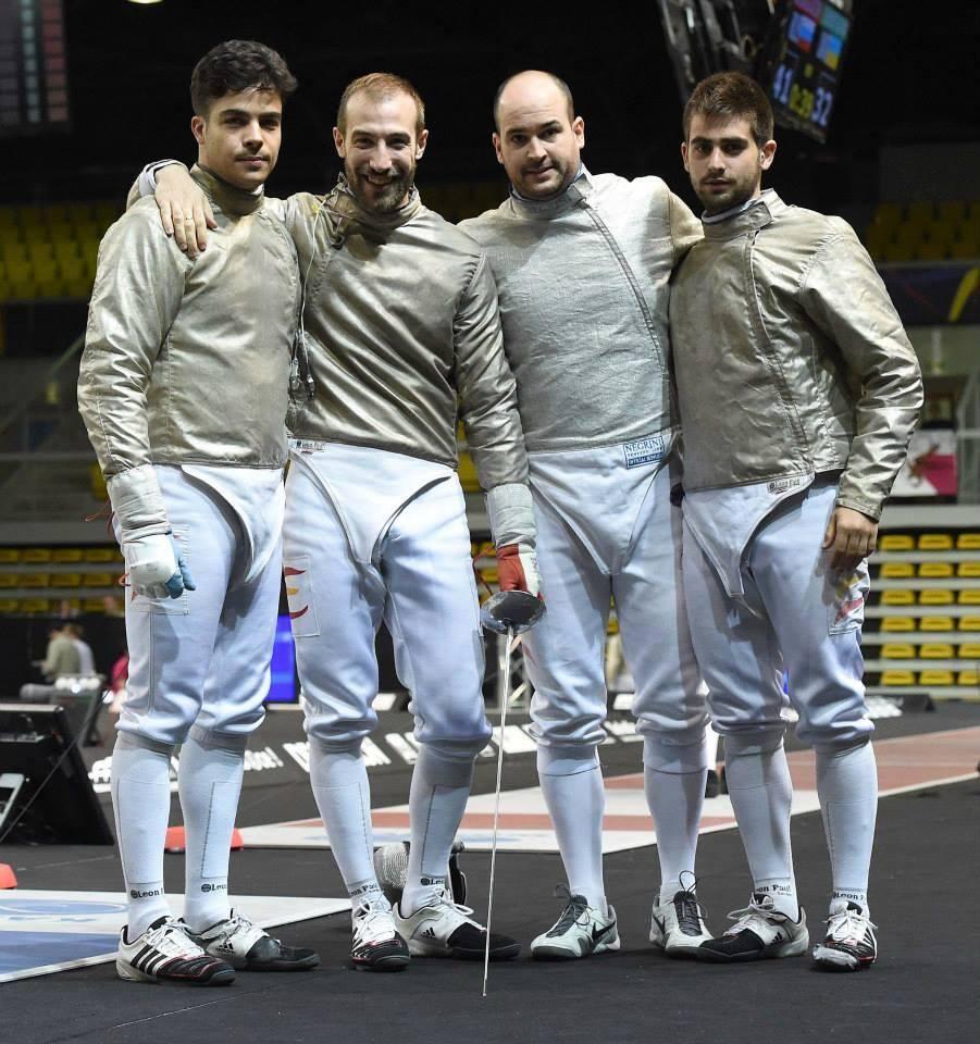 Fernando Casares (2º, derecha). Fuente: AD