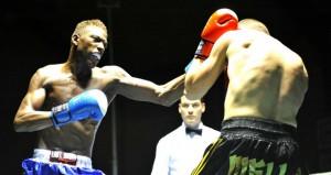El boxeador español Youba Sissokho durante un combate. Fuente: Jose Salvador