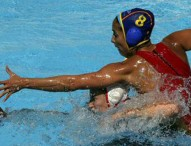 España pasa a cuartos invicta tras ganarle a Canadá (6-12)