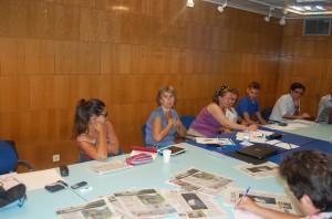 La periodista de TVE Paloma del Río (2ª por la izquierda)