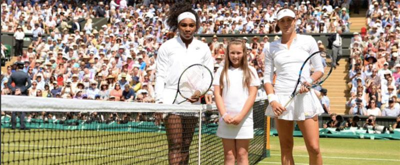 Garbiñe Muguruza y Serena Williams antes de la final. Fuente: Rfet