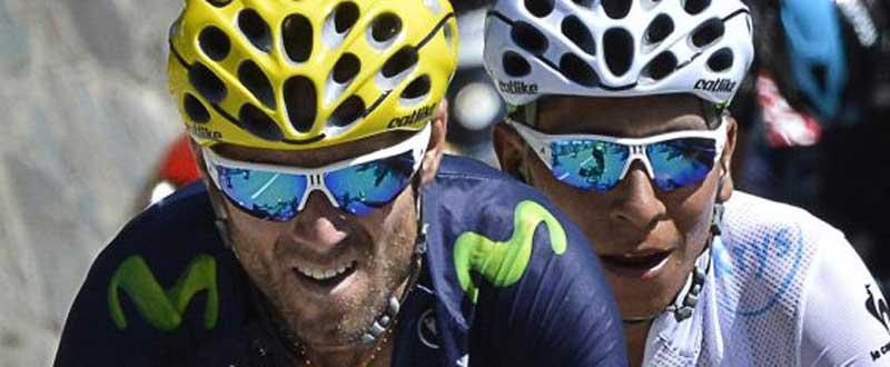 Alejandro Valverde, junto a su compañero Nairo Quintana, ambos en el podio del Tour 2015. Fuente: AD