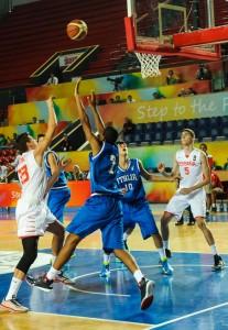 El equipo español de baloncesto durante en encuentro ante Italia. Fuente: http://tbilisi2015.com/