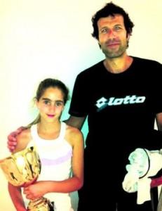 Carlota entrena desde muy joven con su entrenador, Ralph Kok. Fuente: AD
