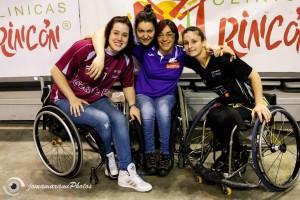 Vicky junto a sus compañeras . Fuente: Vicky Pérez.