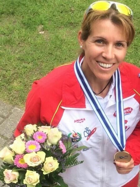 Silvia y su medalla de bronce en el último Mundial. Fuente: AD