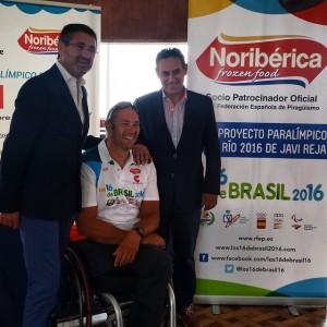 Javier Reja y su patrocinador Noribérica. Fuente Avance Deportivo