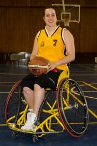 Vicky antes de sufrir el problema jugaba al baloncesto en el Estudiantes. Fuente: Planeta ACB.