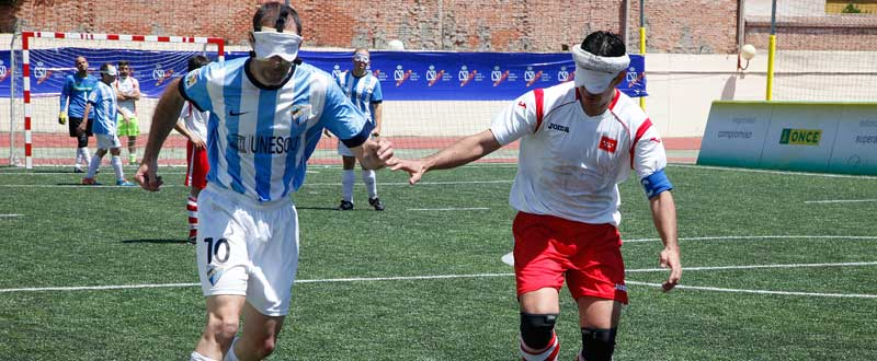 Los Málaga-Madrid de fútbol sala para ciegos son ya un clásico de este deporte. Fuente: