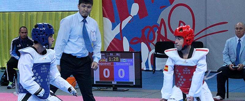 Álex Vidal (derecha) busca en Samsun su 4º Mundial consecutivo. Fuente: AD.
