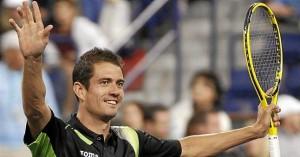 Guillermo García López, tras su victoria ante Mahut. Imágenes: AD